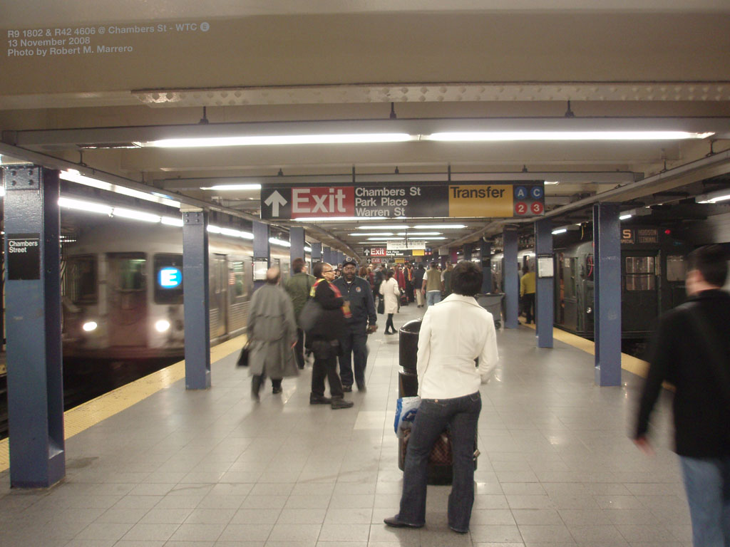 (162k, 1024x768)<br><b>Country:</b> United States<br><b>City:</b> New York<br><b>System:</b> New York City Transit<br><b>Line:</b> IND 8th Avenue Line<br><b>Location:</b> Chambers Street/World Trade Center <br><b>Route:</b> Fan Trip<br><b>Car:</b> R-1 (American Car & Foundry, 1930-1931) 100 <br><b>Photo by:</b> Robert Marrero<br><b>Date:</b> 11/13/2008<br><b>Notes:</b> With R42 on E train.<br><b>Viewed (this week/total):</b> 0 / 2539