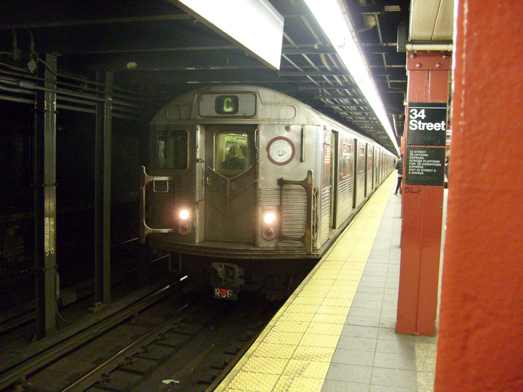 (186k, 1024x768)<br><b>Country:</b> United States<br><b>City:</b> New York<br><b>System:</b> New York City Transit<br><b>Line:</b> IND 8th Avenue Line<br><b>Location:</b> 34th Street/Penn Station <br><b>Route:</b> C<br><b>Car:</b> R-38 (St. Louis, 1966-1967)   <br><b>Photo by:</b> Oswaldo C.<br><b>Date:</b> 11/15/2008<br><b>Viewed (this week/total):</b> 3 / 1359