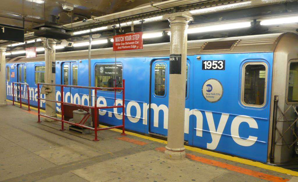 (108k, 1024x628)<br><b>Country:</b> United States<br><b>City:</b> New York<br><b>System:</b> New York City Transit<br><b>Line:</b> IRT Times Square-Grand Central Shuttle<br><b>Location:</b> Grand Central <br><b>Route:</b> S<br><b>Car:</b> R-62A (Bombardier, 1984-1987)  1953 <br><b>Photo by:</b> Robbie Rosenfeld<br><b>Date:</b> 11/12/2008<br><b>Viewed (this week/total):</b> 1 / 2210