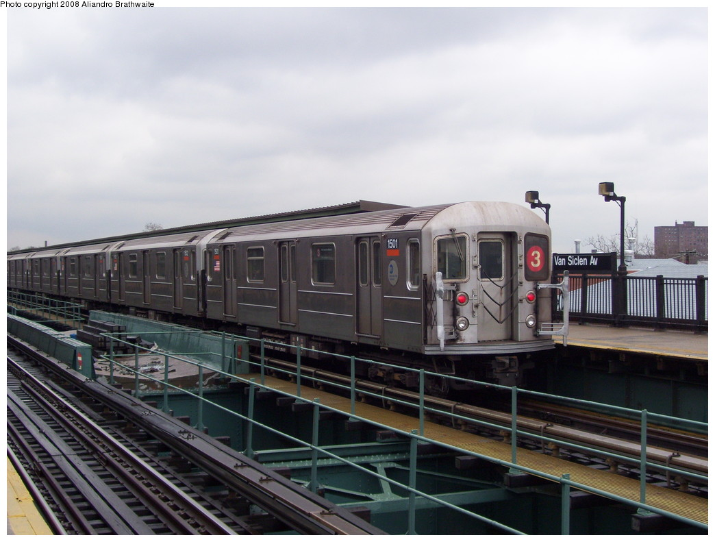 (202k, 1044x791)<br><b>Country:</b> United States<br><b>City:</b> New York<br><b>System:</b> New York City Transit<br><b>Line:</b> IRT Brooklyn Line<br><b>Location:</b> Van Siclen Avenue <br><b>Route:</b> 3<br><b>Car:</b> R-62 (Kawasaki, 1983-1985)  1501 <br><b>Photo by:</b> Aliandro Brathwaite<br><b>Date:</b> 11/25/2008<br><b>Viewed (this week/total):</b> 5 / 2915