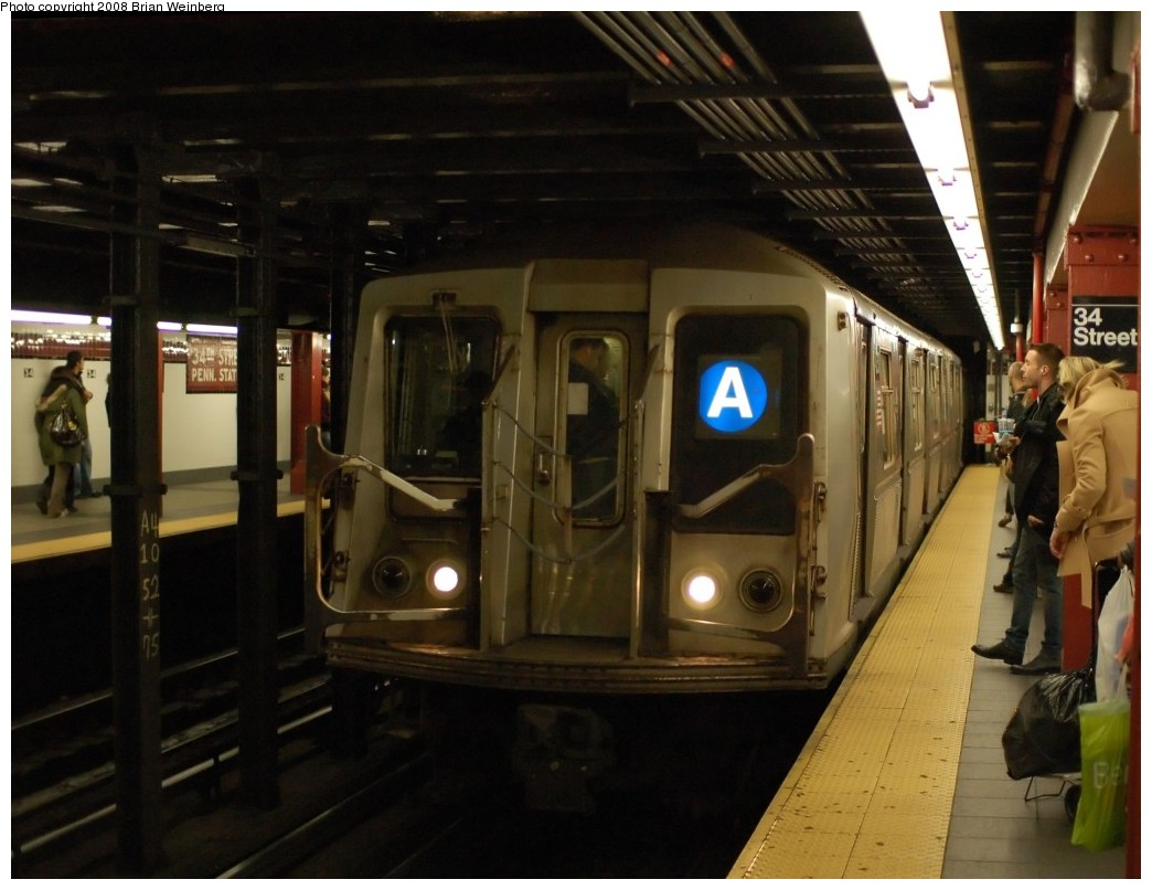 (226k, 1044x806)<br><b>Country:</b> United States<br><b>City:</b> New York<br><b>System:</b> New York City Transit<br><b>Line:</b> IND 8th Avenue Line<br><b>Location:</b> 34th Street/Penn Station <br><b>Route:</b> A<br><b>Car:</b> R-40 (St. Louis, 1968)  4330 <br><b>Photo by:</b> Brian Weinberg<br><b>Date:</b> 11/25/2008<br><b>Viewed (this week/total):</b> 0 / 1333