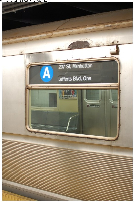 (166k, 547x820)<br><b>Country:</b> United States<br><b>City:</b> New York<br><b>System:</b> New York City Transit<br><b>Line:</b> IND 8th Avenue Line<br><b>Location:</b> 207th Street <br><b>Route:</b> A<br><b>Car:</b> R-40 (St. Louis, 1968)  4347 <br><b>Photo by:</b> Brian Weinberg<br><b>Date:</b> 11/25/2008<br><b>Viewed (this week/total):</b> 4 / 1350