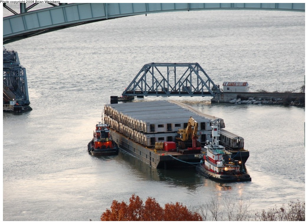 (286k, 1044x759)<br><b>Country:</b> United States<br><b>City:</b> New York<br><b>System:</b> New York City Transit<br><b>Location:</b> Harlem River Ship Canal<br><b>Car:</b> R-32 (Budd, 1964)   <br><b>Photo by:</b> Brian Weinberg<br><b>Date:</b> 11/21/2008<br><b>Viewed (this week/total):</b> 0 / 1235