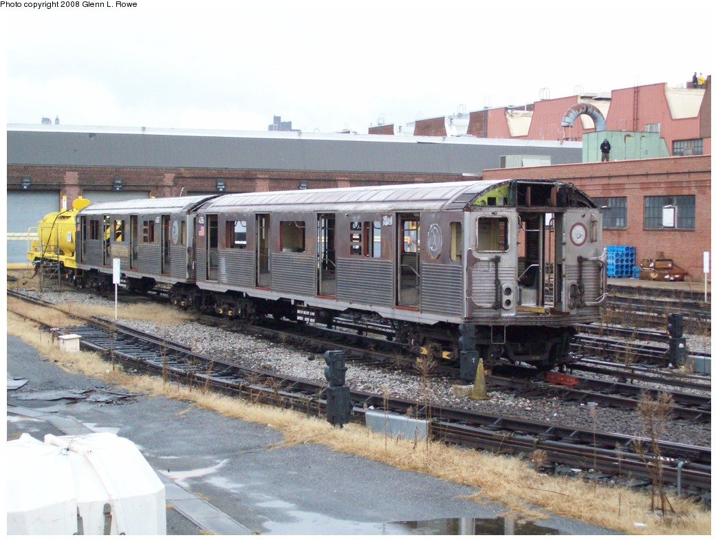 (228k, 1044x788)<br><b>Country:</b> United States<br><b>City:</b> New York<br><b>System:</b> New York City Transit<br><b>Location:</b> 207th Street Yard<br><b>Car:</b> R-38 (St. Louis, 1966-1967)  4086 <br><b>Photo by:</b> Glenn L. Rowe<br><b>Date:</b> 11/25/2008<br><b>Notes:</b> Scrap<br><b>Viewed (this week/total):</b> 3 / 1212