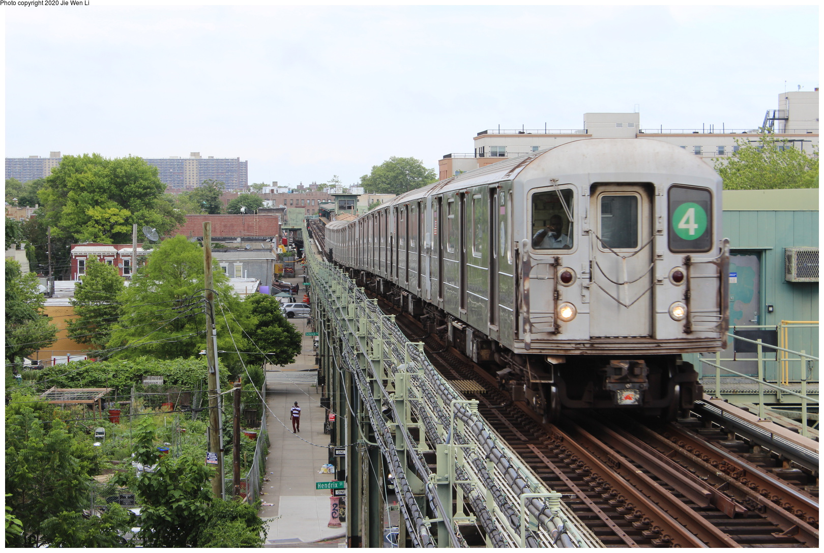 (267k, 1044x726)<br><b>Country:</b> United States<br><b>City:</b> New York<br><b>System:</b> New York City Transit<br><b>Line:</b> BMT Myrtle Avenue Line<br><b>Location:</b> Metropolitan Avenue <br><b>Car:</b> BMT Multi  <br><b>Photo by:</b> Joel Shanus<br><b>Viewed (this week/total):</b> 2 / 1797