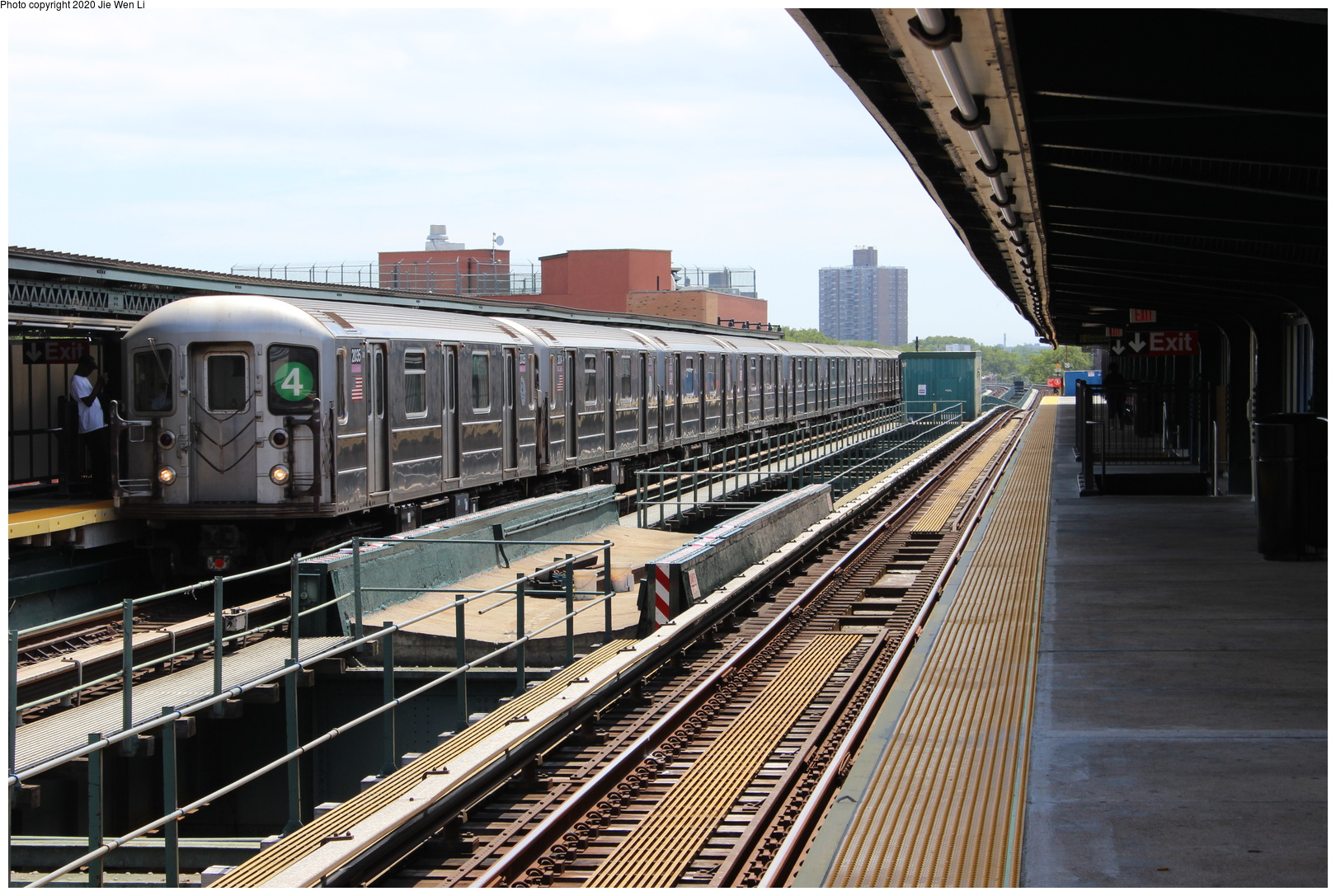 (197k, 1044x692)<br><b>Country:</b> United States<br><b>City:</b> New York<br><b>System:</b> New York City Transit<br><b>Line:</b> BMT Myrtle Avenue Line<br><b>Location:</b> Fresh Pond Road <br><b>Car:</b> BMT Multi  <br><b>Photo by:</b> Joel Shanus<br><b>Viewed (this week/total):</b> 3 / 1938