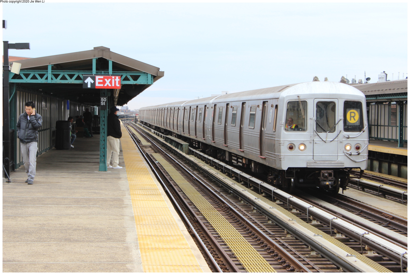 (188k, 1044x694)<br><b>Country:</b> United States<br><b>City:</b> New York<br><b>System:</b> New York City Transit<br><b>Line:</b> IRT Flushing Line<br><b>Location:</b> 46th Street/Bliss Street <br><b>Car:</b> Low-V Worlds Fair  <br><b>Photo by:</b> Joel Shanus<br><b>Viewed (this week/total):</b> 6 / 2482