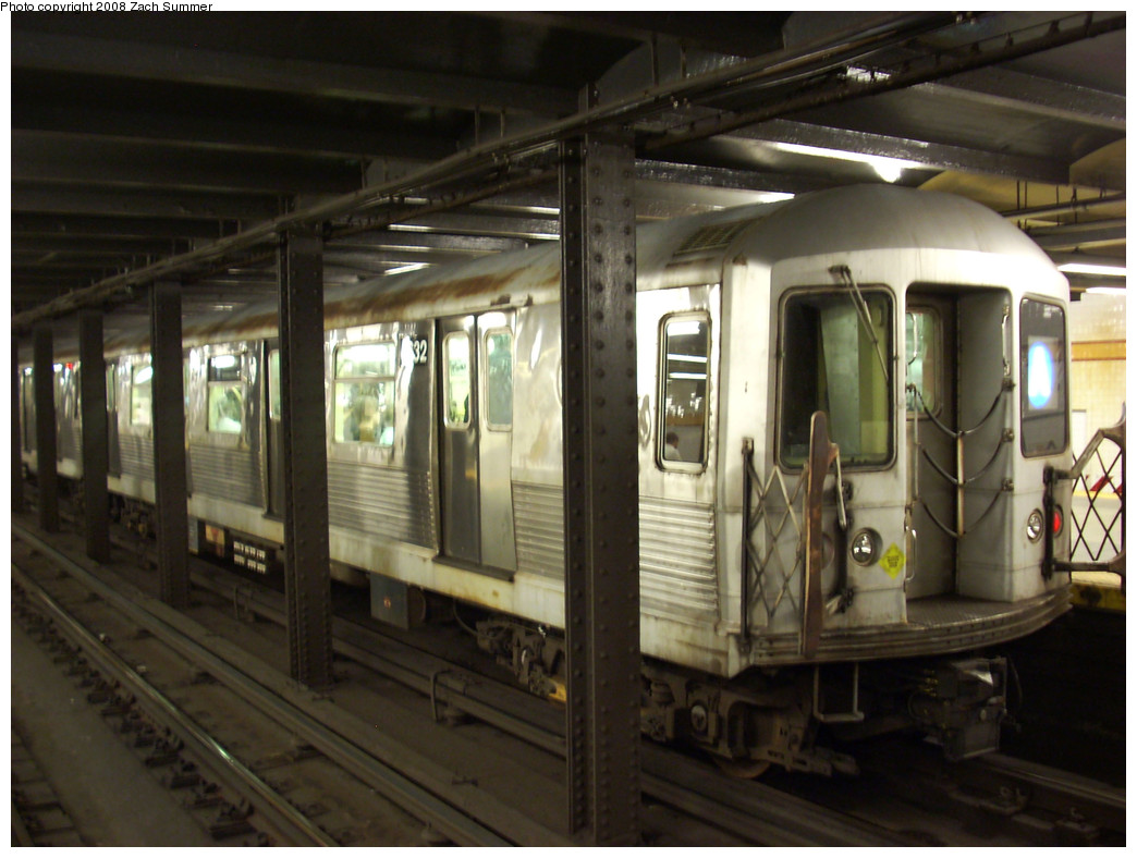 (241k, 1044x788)<br><b>Country:</b> United States<br><b>City:</b> New York<br><b>System:</b> New York City Transit<br><b>Line:</b> IND 8th Avenue Line<br><b>Location:</b> 14th Street <br><b>Route:</b> A<br><b>Car:</b> R-42 (St. Louis, 1969-1970)  4632 <br><b>Photo by:</b> Zach Summer<br><b>Date:</b> 8/6/2008<br><b>Viewed (this week/total):</b> 0 / 1274