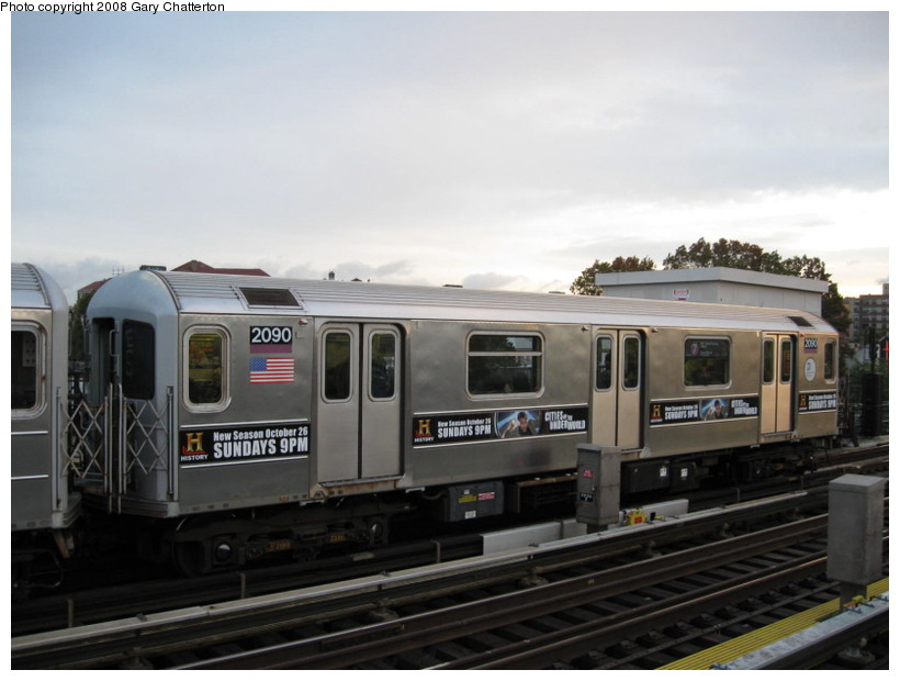 (104k, 820x620)<br><b>Country:</b> United States<br><b>City:</b> New York<br><b>System:</b> New York City Transit<br><b>Line:</b> IRT Flushing Line<br><b>Location:</b> 69th Street/Fisk Avenue <br><b>Route:</b> 7<br><b>Car:</b> R-62A (Bombardier, 1984-1987)  2090 <br><b>Photo by:</b> Gary Chatterton<br><b>Date:</b> 10/29/2008<br><b>Viewed (this week/total):</b> 3 / 929