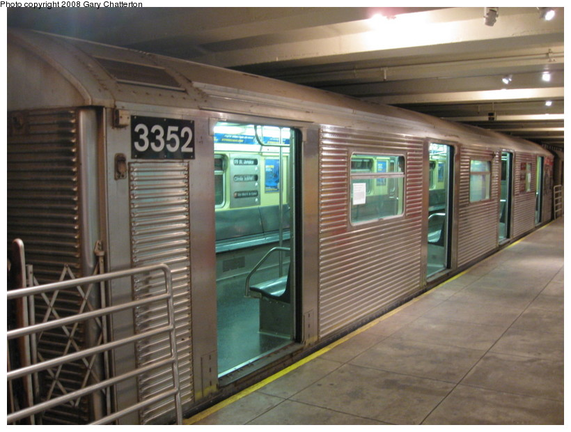 (134k, 820x620)<br><b>Country:</b> United States<br><b>City:</b> New York<br><b>System:</b> New York City Transit<br><b>Location:</b> New York Transit Museum<br><b>Car:</b> R-32 (Budd, 1964)  3352 <br><b>Photo by:</b> Gary Chatterton<br><b>Date:</b> 11/19/2008<br><b>Viewed (this week/total):</b> 2 / 1825
