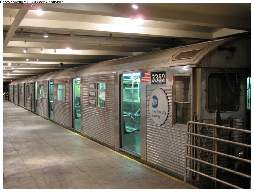 (136k, 820x620)<br><b>Country:</b> United States<br><b>City:</b> New York<br><b>System:</b> New York City Transit<br><b>Location:</b> New York Transit Museum<br><b>Car:</b> R-32 (Budd, 1964)  3352 <br><b>Photo by:</b> Gary Chatterton<br><b>Date:</b> 11/19/2008<br><b>Viewed (this week/total):</b> 4 / 2162