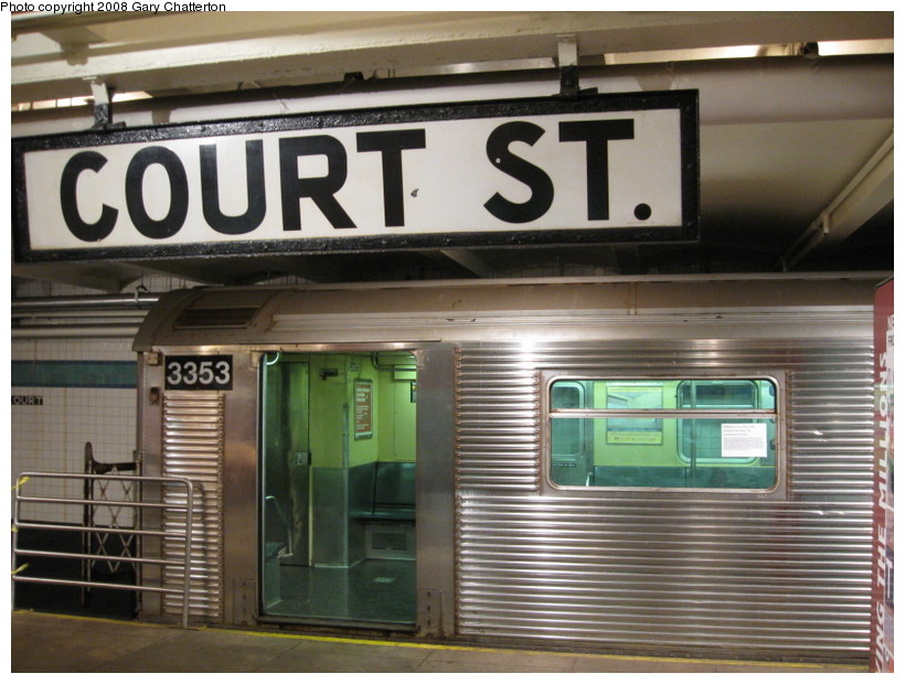 (138k, 820x620)<br><b>Country:</b> United States<br><b>City:</b> New York<br><b>System:</b> New York City Transit<br><b>Location:</b> New York Transit Museum<br><b>Car:</b> R-32 (Budd, 1964)  3353 <br><b>Photo by:</b> Gary Chatterton<br><b>Date:</b> 11/19/2008<br><b>Viewed (this week/total):</b> 8 / 1792