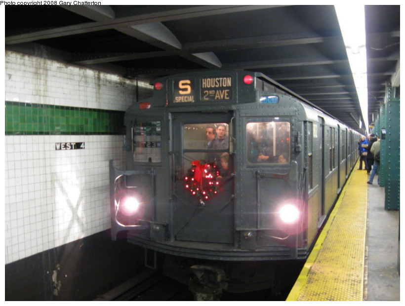 (112k, 820x620)<br><b>Country:</b> United States<br><b>City:</b> New York<br><b>System:</b> New York City Transit<br><b>Line:</b> IND 6th Avenue Line<br><b>Location:</b> West 4th Street/Washington Square <br><b>Route:</b> Museum Train Service (V)<br><b>Car:</b> R-9 (Pressed Steel, 1940)  1802 <br><b>Photo by:</b> Gary Chatterton<br><b>Date:</b> 11/30/2008<br><b>Viewed (this week/total):</b> 0 / 770