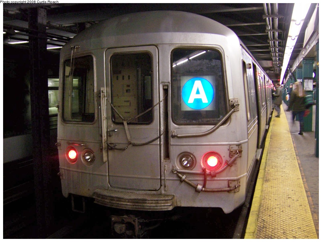(199k, 1044x783)<br><b>Country:</b> United States<br><b>City:</b> New York<br><b>System:</b> New York City Transit<br><b>Line:</b> IND 8th Avenue Line<br><b>Location:</b> West 4th Street/Washington Square <br><b>Route:</b> A<br><b>Car:</b> R-44 (St. Louis, 1971-73) 5466 <br><b>Photo by:</b> Curtis Roach<br><b>Date:</b> 12/7/2008<br><b>Viewed (this week/total):</b> 0 / 1498