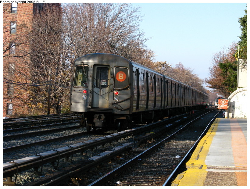 (205k, 820x620)<br><b>Country:</b> United States<br><b>City:</b> New York<br><b>System:</b> New York City Transit<br><b>Line:</b> BMT Brighton Line<br><b>Location:</b> Neck Road <br><b>Route:</b> B<br><b>Car:</b> R-68A (Kawasaki, 1988-1989)  5068 <br><b>Photo by:</b> Bill E.<br><b>Date:</b> 11/28/2008<br><b>Viewed (this week/total):</b> 1 / 996