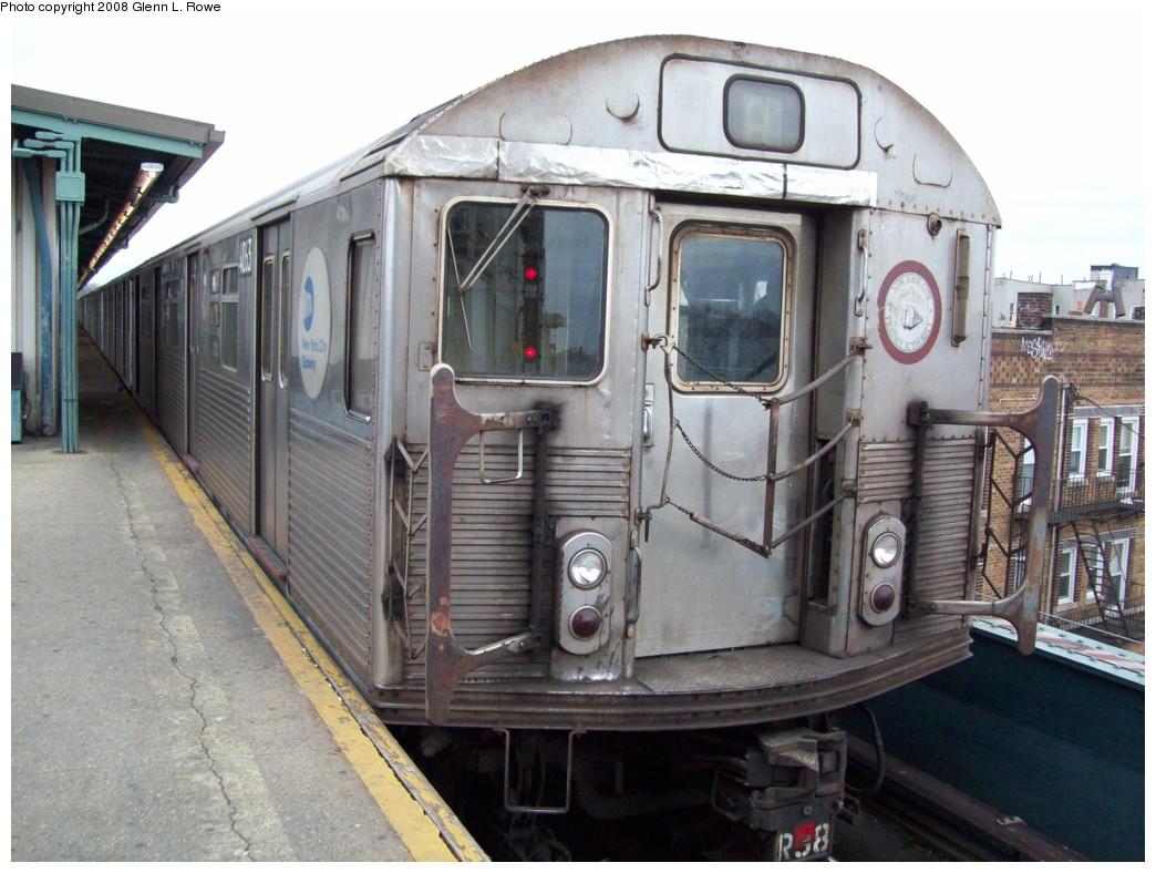 (216k, 1044x788)<br><b>Country:</b> United States<br><b>City:</b> New York<br><b>System:</b> New York City Transit<br><b>Line:</b> IND Fulton Street Line<br><b>Location:</b> Lefferts Boulevard <br><b>Route:</b> A<br><b>Car:</b> R-38 (St. Louis, 1966-1967)  4063 <br><b>Photo by:</b> Glenn L. Rowe<br><b>Date:</b> 12/9/2008<br><b>Viewed (this week/total):</b> 5 / 732