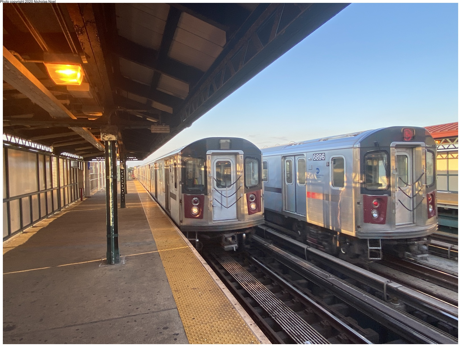 (357k, 1044x787)<br><b>Country:</b> United States<br><b>City:</b> New York<br><b>System:</b> New York City Transit<br><b>Line:</b> BMT Myrtle Avenue Line<br><b>Location:</b> Metropolitan Avenue <br><b>Car:</b> BMT Elevated Gate Car  <br><b>Photo by:</b> Joel Shanus<br><b>Viewed (this week/total):</b> 0 / 1928