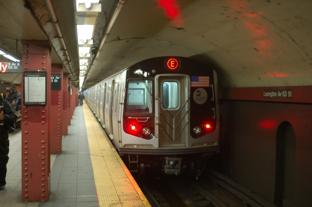 (172k, 1024x680)<br><b>Country:</b> United States<br><b>City:</b> New York<br><b>System:</b> New York City Transit<br><b>Line:</b> IND Queens Boulevard Line<br><b>Location:</b> Lexington Avenue-53rd Street <br><b>Route:</b> E<br><b>Car:</b> R-160A (Option 1) (Alstom, 2008-2009, 5 car sets)  9253 <br><b>Photo by:</b> Brian Weinberg<br><b>Date:</b> 12/23/2008<br><b>Viewed (this week/total):</b> 1 / 1660