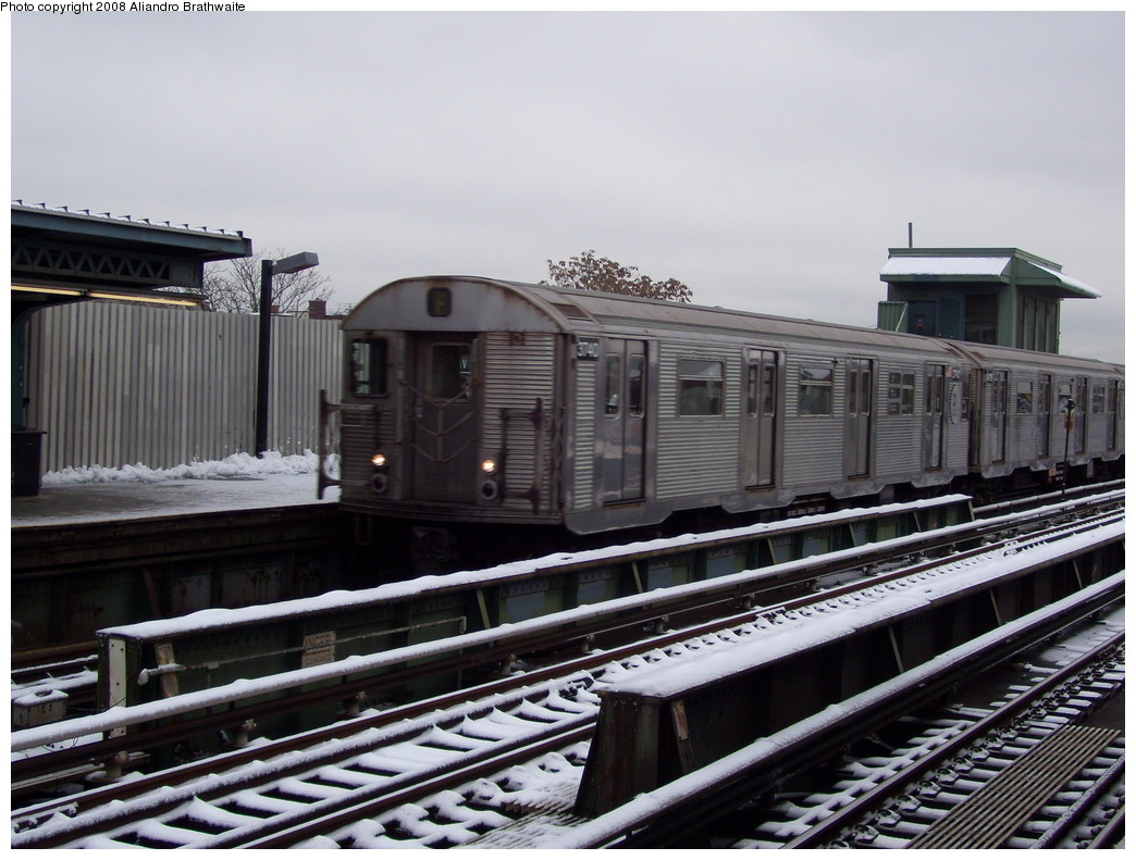 (220k, 1044x791)<br><b>Country:</b> United States<br><b>City:</b> New York<br><b>System:</b> New York City Transit<br><b>Line:</b> BMT Culver Line<br><b>Location:</b> Ditmas Avenue <br><b>Route:</b> F<br><b>Car:</b> R-32 (Budd, 1964)  3740 <br><b>Photo by:</b> Aliandro Brathwaite<br><b>Date:</b> 12/20/2008<br><b>Viewed (this week/total):</b> 1 / 976