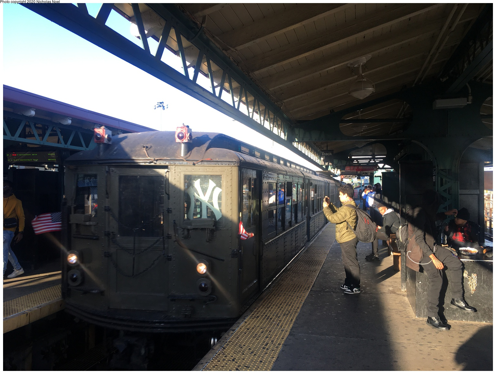 (214k, 806x820)<br><b>Country:</b> United States<br><b>City:</b> New York<br><b>System:</b> New York City Transit<br><b>Line:</b> IRT West Side Line<br><b>Location:</b> Chambers Street <br><b>Car:</b> Low-V  <br><b>Photo by:</b> Joel Shanus<br><b>Viewed (this week/total):</b> 7 / 1826
