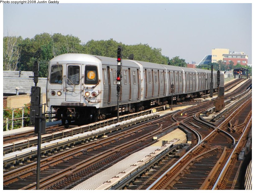 (183k, 820x620)<br><b>Country:</b> United States<br><b>City:</b> New York<br><b>System:</b> New York City Transit<br><b>Line:</b> BMT Culver Line<br><b>Location:</b> Avenue X <br><b>Route:</b> F<br><b>Car:</b> R-46 (Pullman-Standard, 1974-75)  <br><b>Photo by:</b> Justin Gaddy<br><b>Date:</b> 8/18/2008<br><b>Viewed (this week/total):</b> 3 / 1074