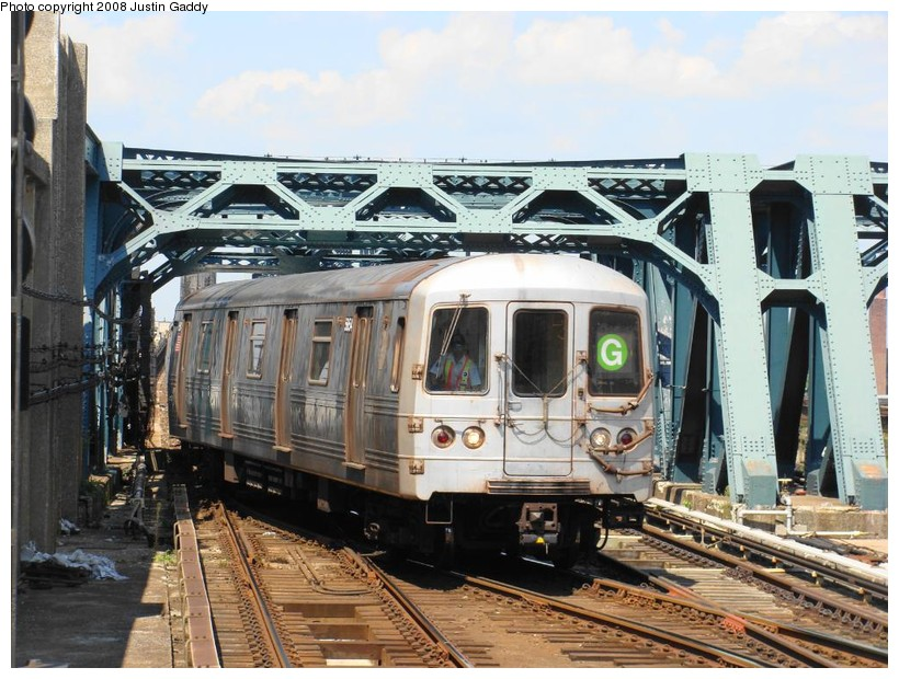 (170k, 820x620)<br><b>Country:</b> United States<br><b>City:</b> New York<br><b>System:</b> New York City Transit<br><b>Line:</b> IND Crosstown Line<br><b>Location:</b> 4th Avenue <br><b>Route:</b> G<br><b>Car:</b> R-46 (Pullman-Standard, 1974-75)  <br><b>Photo by:</b> Justin Gaddy<br><b>Date:</b> 8/18/2008<br><b>Viewed (this week/total):</b> 1 / 845