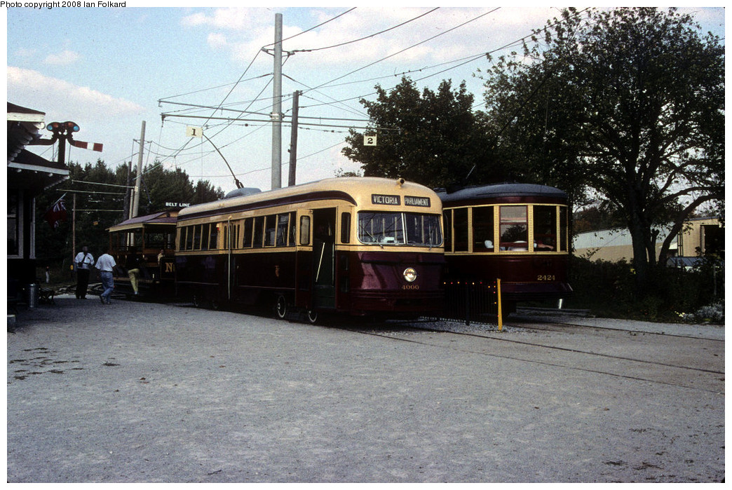 (308k, 1044x699)<br><b>Country:</b> Canada<br><b>City:</b> Toronto<br><b>System:</b> Halton County Radial Railway <br><b>Photo by:</b> Ian Folkard<br><b>Date:</b> 10/2000<br><b>Notes:</b> 4000 at station at west end with 2424 & 327.<br><b>Viewed (this week/total):</b> 1 / 450