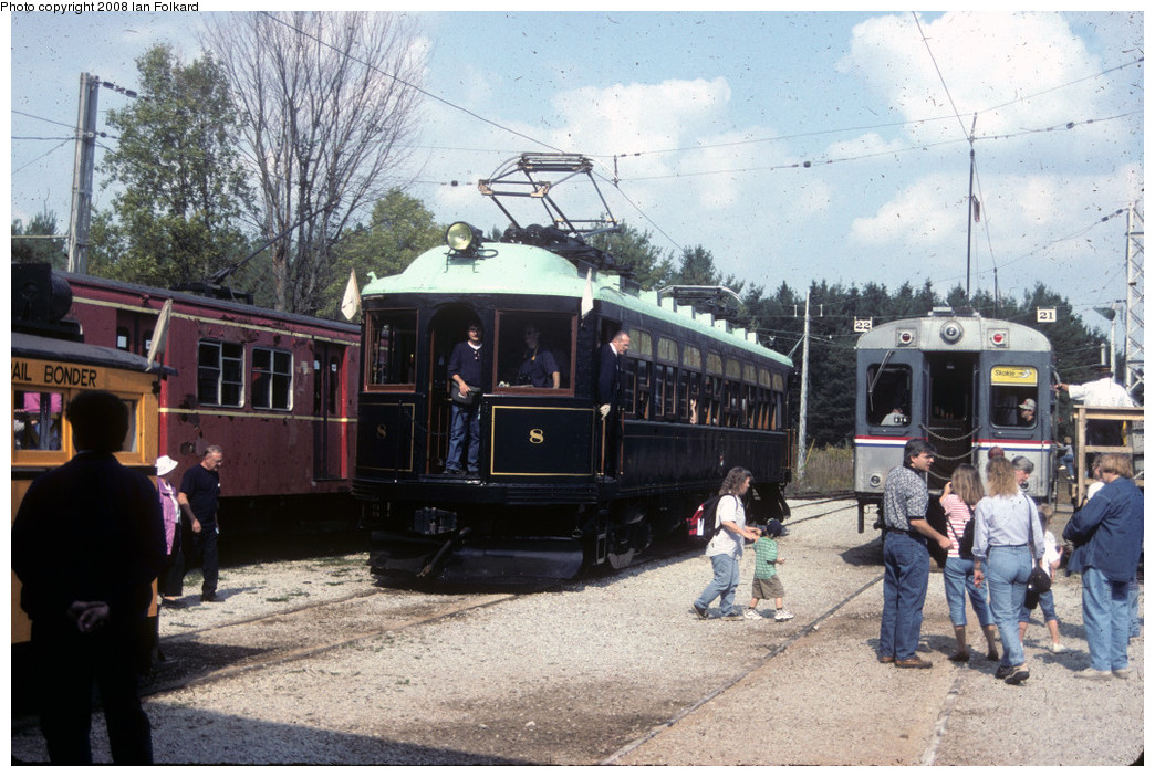 (288k, 1044x703)<br><b>Country:</b> Canada<br><b>City:</b> Toronto<br><b>System:</b> Halton County Radial Railway <br><b>Photo by:</b> Ian Folkard<br><b>Date:</b> 10/2000<br><b>Notes:</b> London and Port Stanley 8 loading at the station.<br><b>Viewed (this week/total):</b> 2 / 549