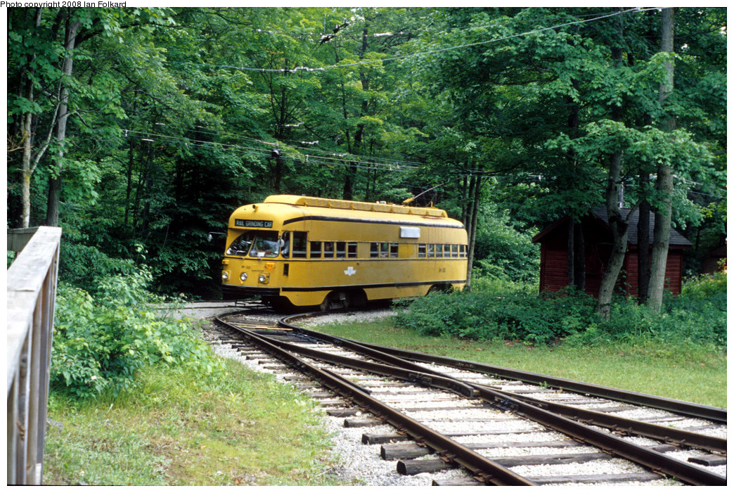 (410k, 1044x701)<br><b>Country:</b> Canada<br><b>City:</b> Toronto<br><b>System:</b> Halton County Radial Railway <br><b>Photo by:</b> Ian Folkard<br><b>Date:</b> 7/10/2004<br><b>Notes:</b> W30 entering east end loop.<br><b>Viewed (this week/total):</b> 0 / 394