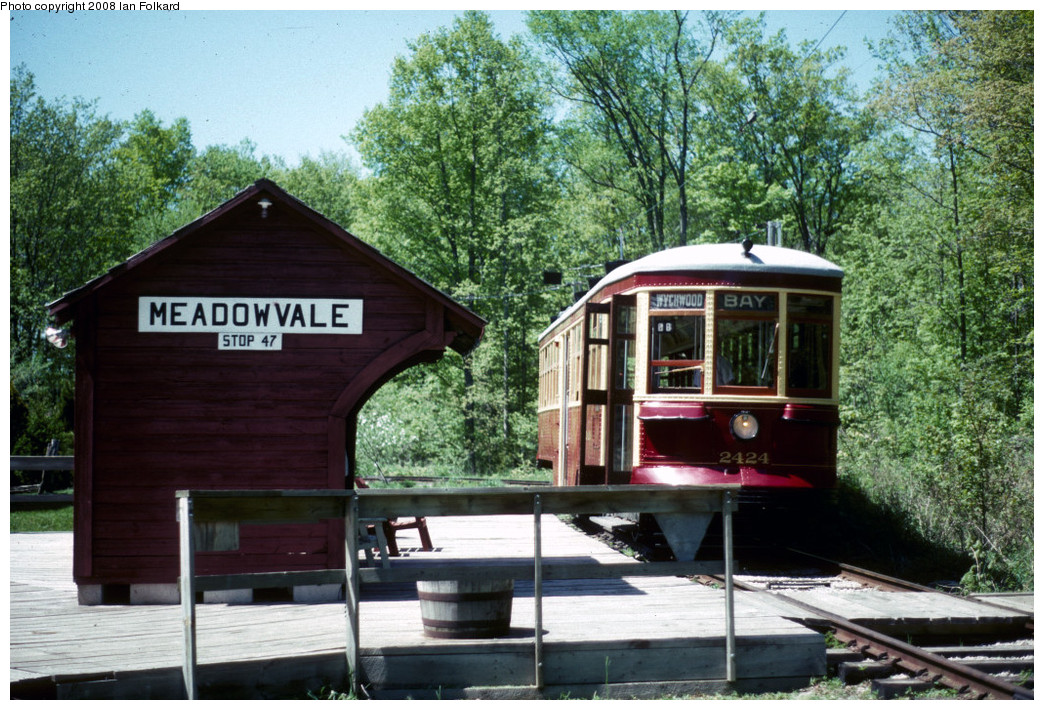 (328k, 1044x710)<br><b>Country:</b> Canada<br><b>City:</b> Toronto<br><b>System:</b> Halton County Radial Railway <br><b>Photo by:</b> Ian Folkard<br><b>Date:</b> 6/1995<br><b>Notes:</b> 2424 at East End Loop.<br><b>Viewed (this week/total):</b> 0 / 241