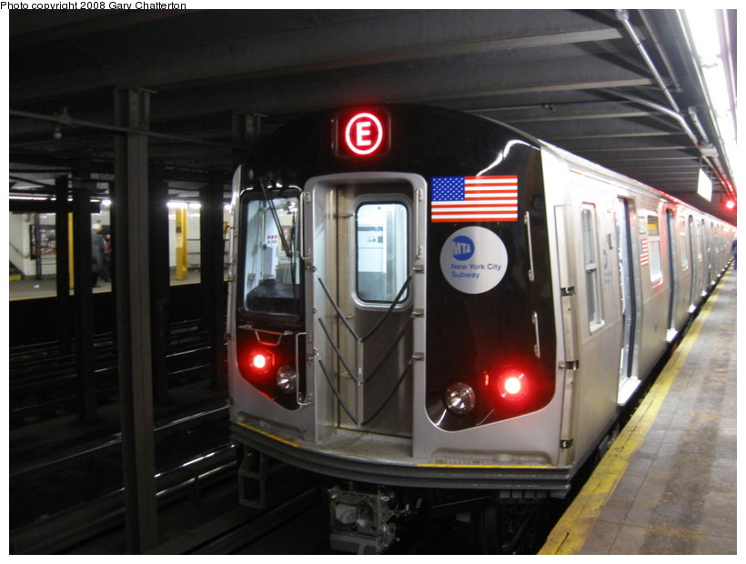 (119k, 820x620)<br><b>Country:</b> United States<br><b>City:</b> New York<br><b>System:</b> New York City Transit<br><b>Line:</b> IND 8th Avenue Line<br><b>Location:</b> 23rd Street <br><b>Route:</b> E<br><b>Car:</b> R-160A (Option 1) (Alstom, 2008-2009, 5 car sets)  9243 <br><b>Photo by:</b> Gary Chatterton<br><b>Date:</b> 12/23/2008<br><b>Viewed (this week/total):</b> 4 / 1519