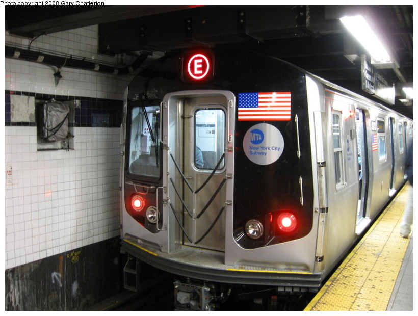 (132k, 820x620)<br><b>Country:</b> United States<br><b>City:</b> New York<br><b>System:</b> New York City Transit<br><b>Line:</b> IND 8th Avenue Line<br><b>Location:</b> Chambers Street/World Trade Center <br><b>Route:</b> E<br><b>Car:</b> R-160A (Option 1) (Alstom, 2008-2009, 5 car sets)  9243 <br><b>Photo by:</b> Gary Chatterton<br><b>Date:</b> 12/23/2008<br><b>Viewed (this week/total):</b> 2 / 1050