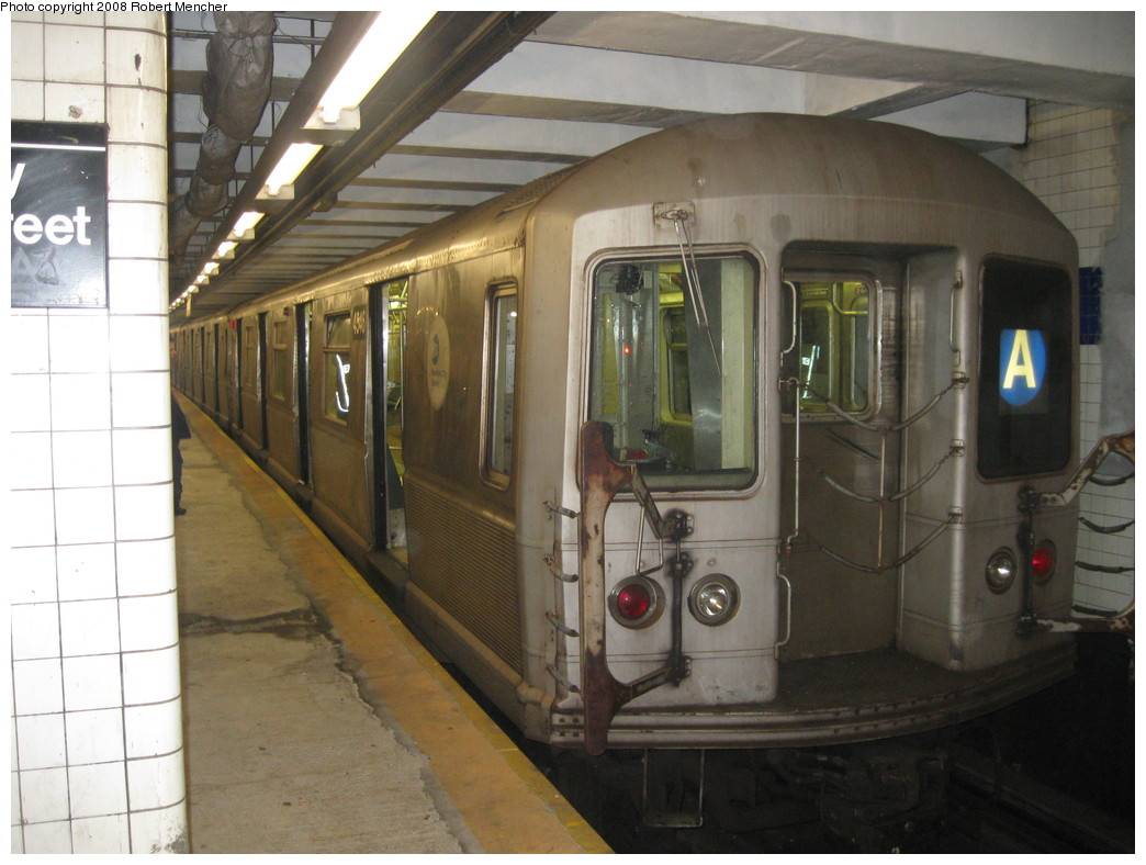 (199k, 1044x788)<br><b>Country:</b> United States<br><b>City:</b> New York<br><b>System:</b> New York City Transit<br><b>Line:</b> IND 8th Avenue Line<br><b>Location:</b> Jay St./Metrotech (Borough Hall) <br><b>Route:</b> A<br><b>Car:</b> R-40M (St. Louis, 1969)  4546 <br><b>Photo by:</b> Robert Mencher<br><b>Date:</b> 12/27/2008<br><b>Viewed (this week/total):</b> 3 / 890