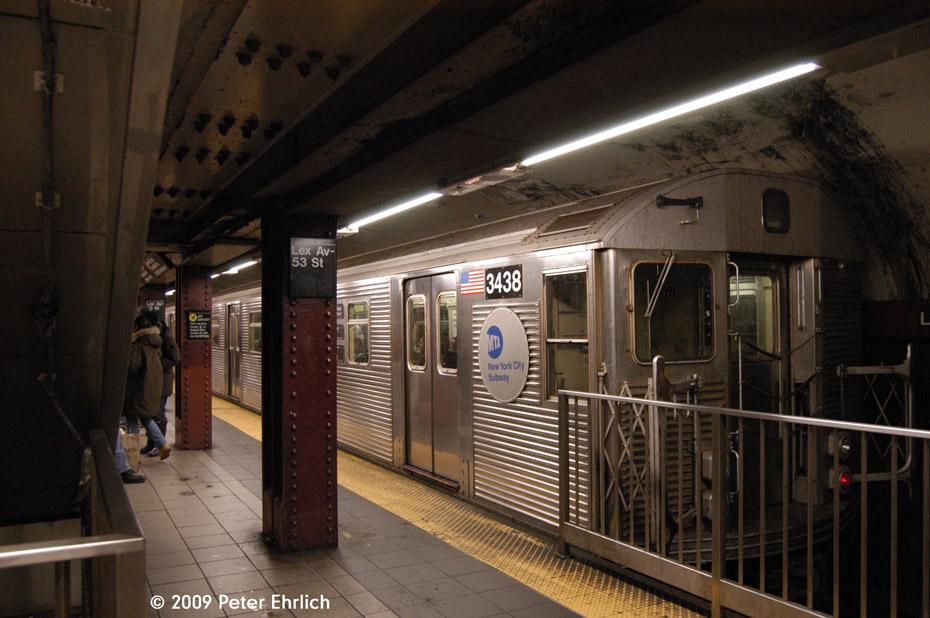 (208k, 930x618)<br><b>Country:</b> United States<br><b>City:</b> New York<br><b>System:</b> New York City Transit<br><b>Line:</b> IND Queens Boulevard Line<br><b>Location:</b> Lexington Avenue-53rd Street <br><b>Route:</b> E<br><b>Car:</b> R-32 (Budd, 1964)  3438 <br><b>Photo by:</b> Peter Ehrlich<br><b>Date:</b> 12/28/2008<br><b>Notes:</b> E Line outbound.<br><b>Viewed (this week/total):</b> 1 / 941