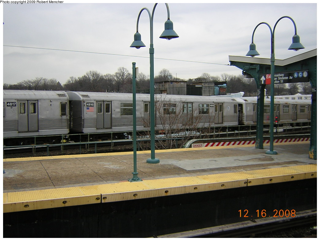 (219k, 1044x788)<br><b>Country:</b> United States<br><b>City:</b> New York<br><b>System:</b> New York City Transit<br><b>Location:</b> East New York Yard/Shops<br><b>Car:</b> R-42 (St. Louis, 1969-1970)  4816 <br><b>Photo by:</b> Robert Mencher<br><b>Date:</b> 12/16/2008<br><b>Viewed (this week/total):</b> 3 / 670