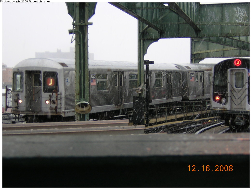 (194k, 1044x788)<br><b>Country:</b> United States<br><b>City:</b> New York<br><b>System:</b> New York City Transit<br><b>Location:</b> East New York Yard/Shops<br><b>Car:</b> R-42 (St. Louis, 1969-1970)  4822 <br><b>Photo by:</b> Robert Mencher<br><b>Date:</b> 12/16/2008<br><b>Viewed (this week/total):</b> 0 / 1259