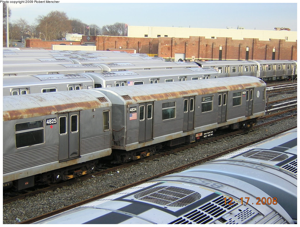 (297k, 1044x788)<br><b>Country:</b> United States<br><b>City:</b> New York<br><b>System:</b> New York City Transit<br><b>Location:</b> East New York Yard/Shops<br><b>Car:</b> R-42 (St. Louis, 1969-1970)  4824 <br><b>Photo by:</b> Robert Mencher<br><b>Date:</b> 12/17/2008<br><b>Viewed (this week/total):</b> 1 / 712