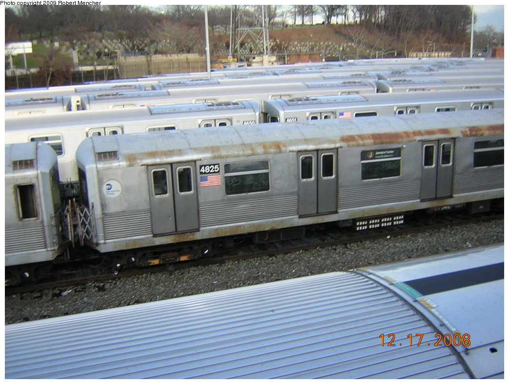 (256k, 1044x788)<br><b>Country:</b> United States<br><b>City:</b> New York<br><b>System:</b> New York City Transit<br><b>Location:</b> East New York Yard/Shops<br><b>Car:</b> R-42 (St. Louis, 1969-1970)  4825 <br><b>Photo by:</b> Robert Mencher<br><b>Date:</b> 12/17/2008<br><b>Viewed (this week/total):</b> 0 / 577