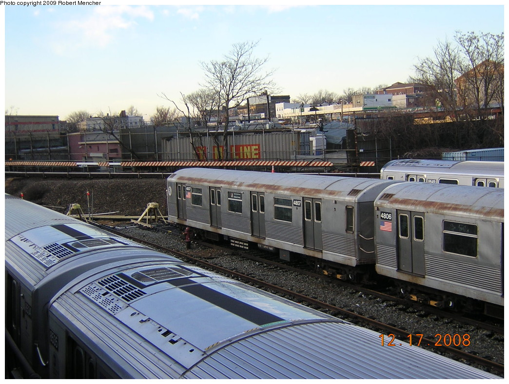 (286k, 1044x788)<br><b>Country:</b> United States<br><b>City:</b> New York<br><b>System:</b> New York City Transit<br><b>Location:</b> East New York Yard/Shops<br><b>Car:</b> R-42 (St. Louis, 1969-1970)  4807 <br><b>Photo by:</b> Robert Mencher<br><b>Date:</b> 12/17/2008<br><b>Viewed (this week/total):</b> 0 / 597