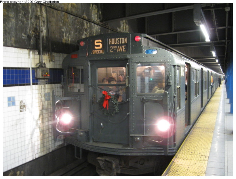(128k, 820x620)<br><b>Country:</b> United States<br><b>City:</b> New York<br><b>System:</b> New York City Transit<br><b>Line:</b> IND 6th Avenue Line<br><b>Location:</b> Broadway/Lafayette <br><b>Route:</b> Museum Train Service (V)<br><b>Car:</b> R-9 (Pressed Steel, 1940)  1802 <br><b>Photo by:</b> Gary Chatterton<br><b>Date:</b> 12/14/2008<br><b>Viewed (this week/total):</b> 3 / 1040