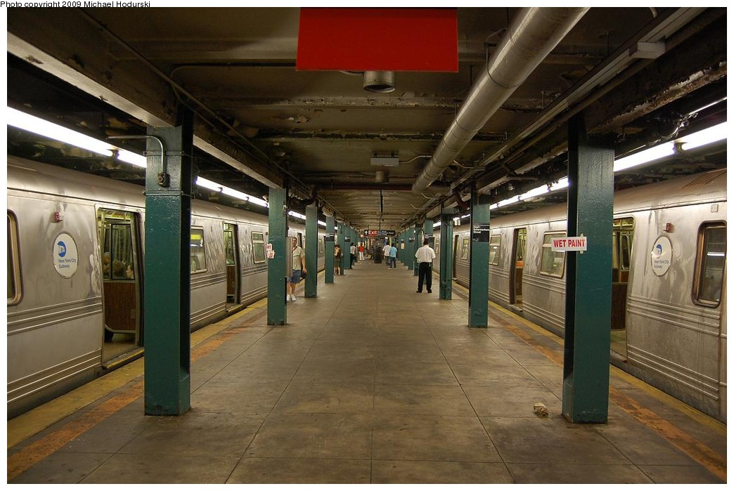 (224k, 1044x699)<br><b>Country:</b> United States<br><b>City:</b> New York<br><b>System:</b> New York City Transit<br><b>Line:</b> IND Fulton Street Line<br><b>Location:</b> Hoyt-Schermerhorn Street <br><b>Photo by:</b> Michael Hodurski<br><b>Date:</b> 8/1/2008<br><b>Viewed (this week/total):</b> 2 / 954