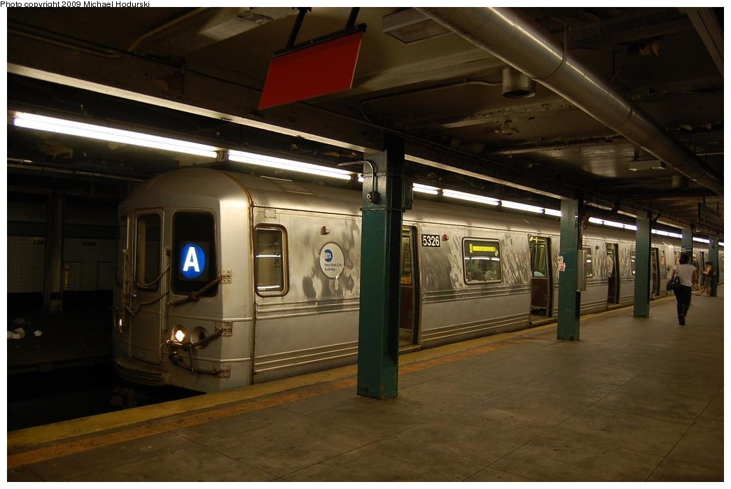 (184k, 1044x699)<br><b>Country:</b> United States<br><b>City:</b> New York<br><b>System:</b> New York City Transit<br><b>Line:</b> IND Fulton Street Line<br><b>Location:</b> Hoyt-Schermerhorn Street <br><b>Route:</b> A<br><b>Car:</b> R-44 (St. Louis, 1971-73) 5326 <br><b>Photo by:</b> Michael Hodurski<br><b>Date:</b> 8/1/2008<br><b>Viewed (this week/total):</b> 2 / 1034