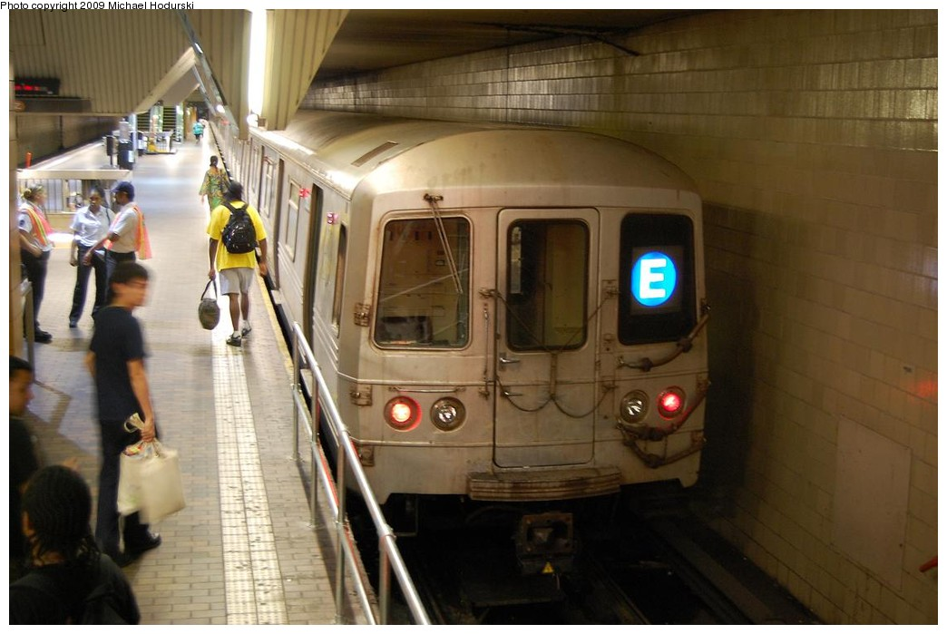 (189k, 1044x699)<br><b>Country:</b> United States<br><b>City:</b> New York<br><b>System:</b> New York City Transit<br><b>Line:</b> IND Queens Boulevard Line<br><b>Location:</b> Jamaica Center/Parsons-Archer <br><b>Route:</b> E<br><b>Car:</b> R-46 (Pullman-Standard, 1974-75) 5920 <br><b>Photo by:</b> Michael Hodurski<br><b>Date:</b> 8/1/2008<br><b>Viewed (this week/total):</b> 5 / 1437
