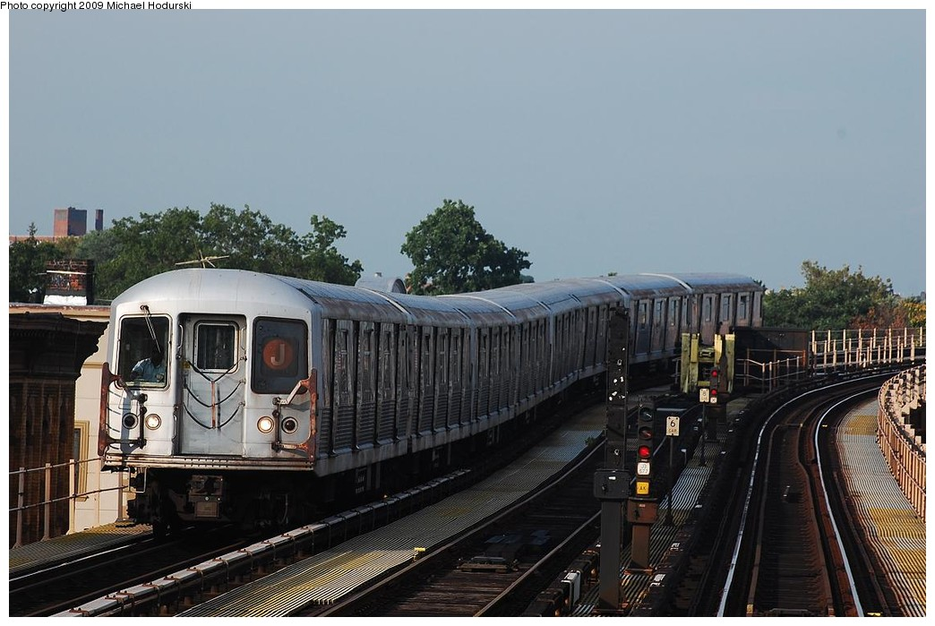 (213k, 1044x699)<br><b>Country:</b> United States<br><b>City:</b> New York<br><b>System:</b> New York City Transit<br><b>Line:</b> BMT Nassau Street/Jamaica Line<br><b>Route:</b> J<br><b>Car:</b> R-42 (St. Louis, 1969-1970)   <br><b>Photo by:</b> Michael Hodurski<br><b>Date:</b> 8/1/2008<br><b>Viewed (this week/total):</b> 0 / 1019