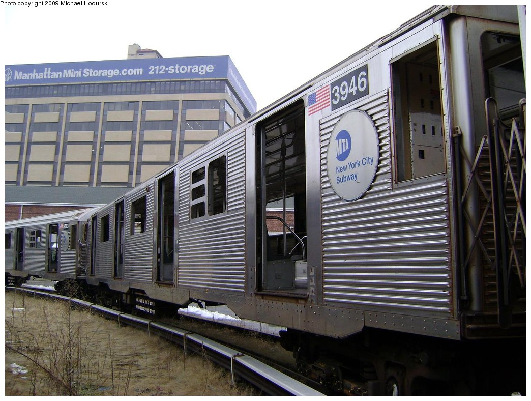 (247k, 1044x788)<br><b>Country:</b> United States<br><b>City:</b> New York<br><b>System:</b> New York City Transit<br><b>Location:</b> 207th Street Yard<br><b>Car:</b> R-32 (Budd, 1964)  3946 <br><b>Photo by:</b> Michael Hodurski<br><b>Date:</b> 12/27/2008<br><b>Notes:</b> Scrap<br><b>Viewed (this week/total):</b> 2 / 1049