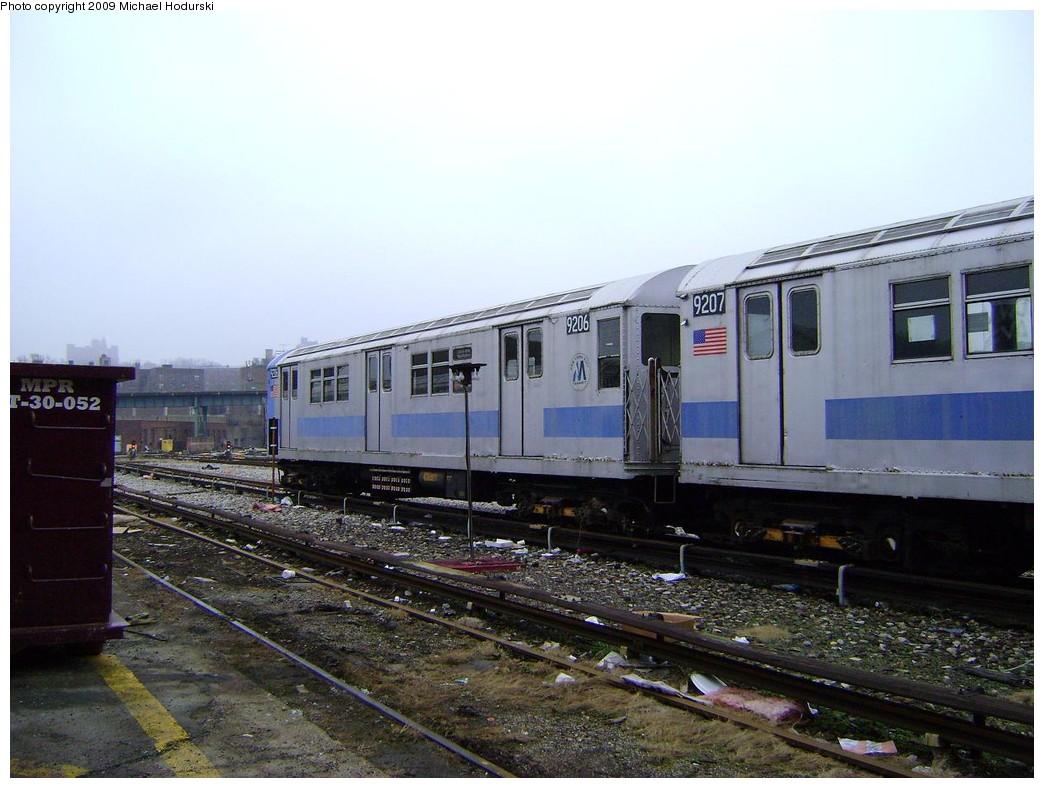 (214k, 1044x788)<br><b>Country:</b> United States<br><b>City:</b> New York<br><b>System:</b> New York City Transit<br><b>Location:</b> 207th Street Yard<br><b>Car:</b> R-33 Main Line (St. Louis, 1962-63) 9206 <br><b>Photo by:</b> Michael Hodurski<br><b>Date:</b> 12/27/2008<br><b>Viewed (this week/total):</b> 2 / 988