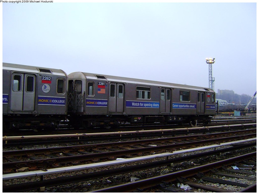 (198k, 1044x788)<br><b>Country:</b> United States<br><b>City:</b> New York<br><b>System:</b> New York City Transit<br><b>Location:</b> 207th Street Yard<br><b>Car:</b> R-62A (Bombardier, 1984-1987)  2281 <br><b>Photo by:</b> Michael Hodurski<br><b>Date:</b> 12/27/2008<br><b>Viewed (this week/total):</b> 0 / 592
