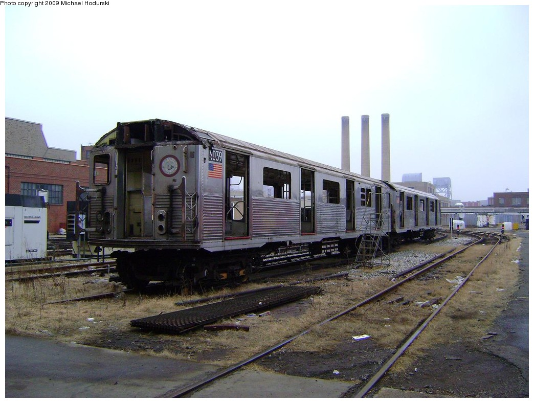 (217k, 1044x788)<br><b>Country:</b> United States<br><b>City:</b> New York<br><b>System:</b> New York City Transit<br><b>Location:</b> 207th Street Yard<br><b>Car:</b> R-38 (St. Louis, 1966-1967)  4039 <br><b>Photo by:</b> Michael Hodurski<br><b>Date:</b> 12/27/2008<br><b>Notes:</b> Scrap<br><b>Viewed (this week/total):</b> 0 / 754