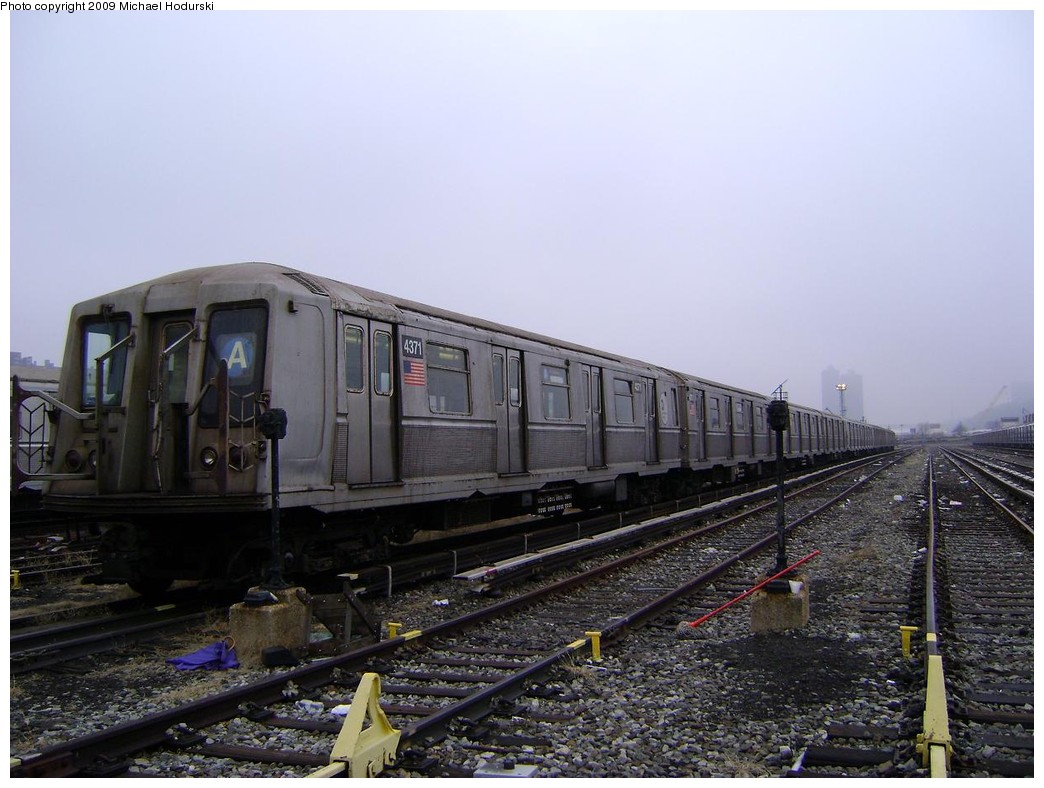 (210k, 1044x788)<br><b>Country:</b> United States<br><b>City:</b> New York<br><b>System:</b> New York City Transit<br><b>Location:</b> 207th Street Yard<br><b>Car:</b> R-40 (St. Louis, 1968)  4371 <br><b>Photo by:</b> Michael Hodurski<br><b>Date:</b> 12/27/2008<br><b>Viewed (this week/total):</b> 3 / 749