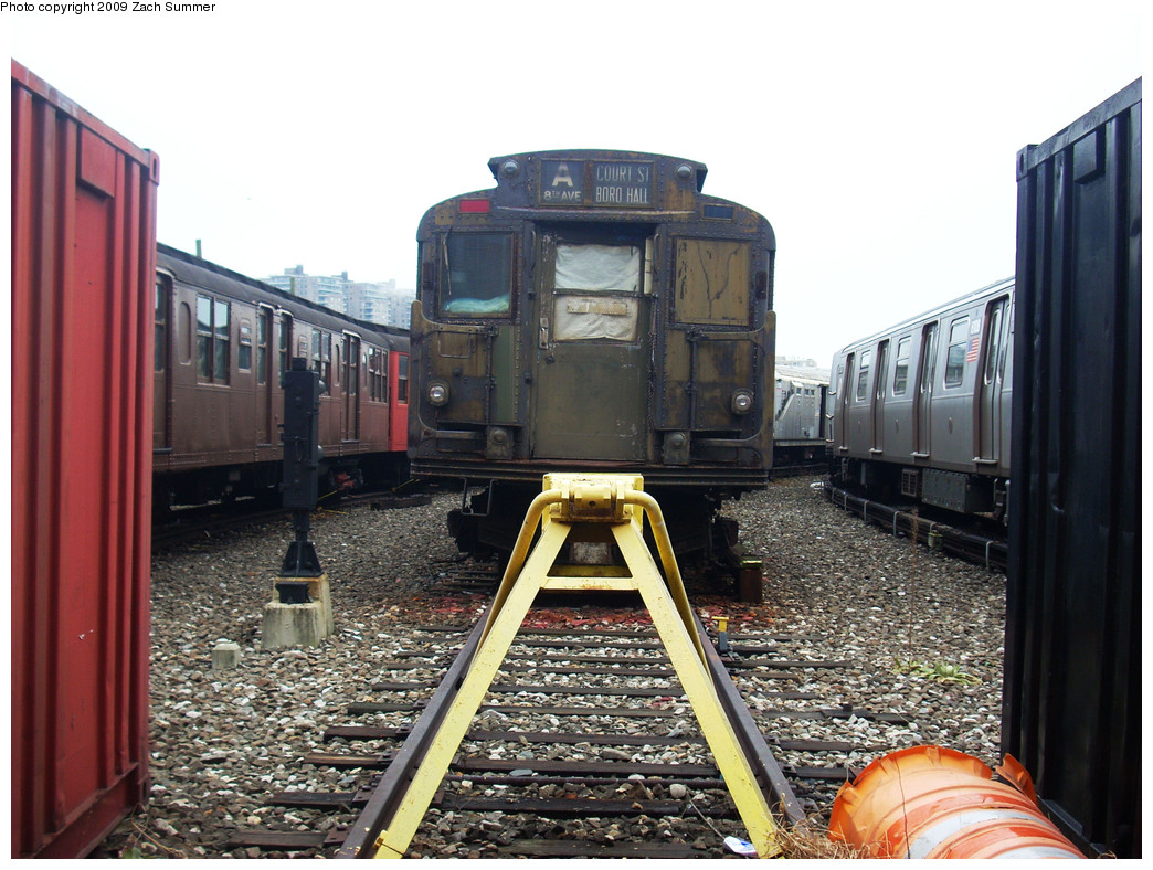 (298k, 1044x788)<br><b>Country:</b> United States<br><b>City:</b> New York<br><b>System:</b> New York City Transit<br><b>Location:</b> Coney Island Yard-Museum Yard<br><b>Car:</b> R-6-3 (American Car & Foundry, 1935)  925 <br><b>Photo by:</b> Zach Summer<br><b>Date:</b> 12/27/2008<br><b>Viewed (this week/total):</b> 0 / 1432
